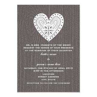Barnwood inspirierte Spitze-Herz-Hochzeit einladen 12,7 X 17,8 Cm Einladungskarte
