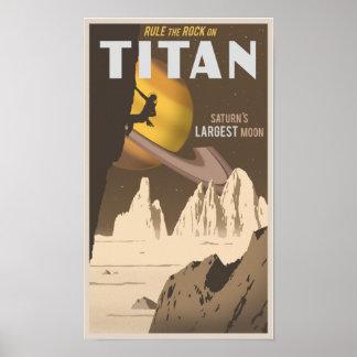 Basculez l'escalade sur le titan, une lune de Satu Affiches