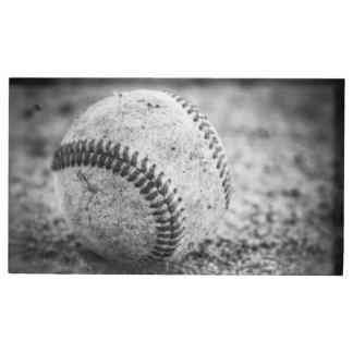 Baseball in Schwarzweiss Tischnummernhalter