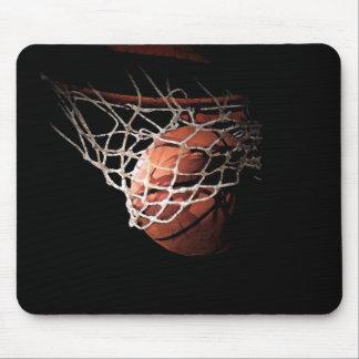 Basketball-Ball in der Aktion Mousepads