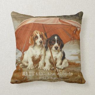 Bassetwelpen unter Regenschirm CC0926 Trood Kissen