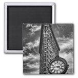 Bâtiment et horloge de Flatiron en noir et blanc Magnets Pour Réfrigérateur