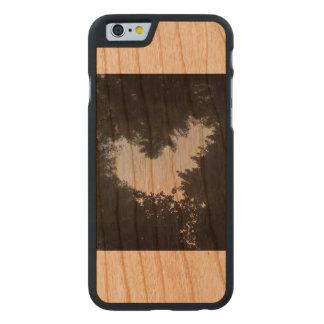 Baum-Liebe Carved® iPhone 6 Hülle Kirsche