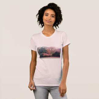 Baum mit Rosa verlässt hübsches niedliches T-Shirt