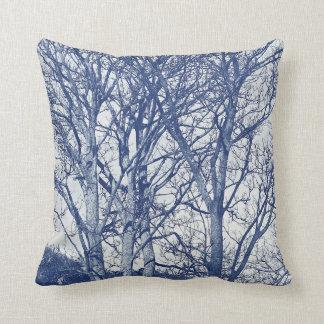 Bäume im Winter - Cyanotype Effekt Kissen