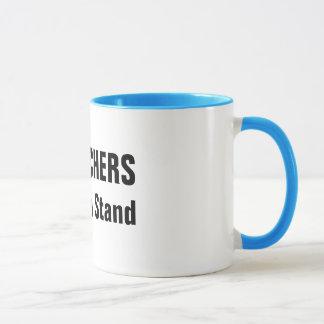 BC Lehrer, die ein Stand-Tassen nehmen Tasse