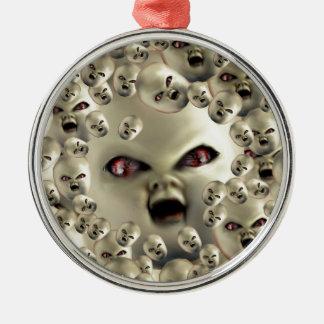 beängstigende Puppegesicht Rundes Silberfarbenes Ornament