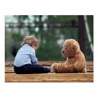 Bébé et ours de nounours carte postale