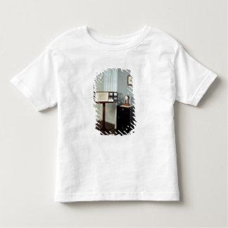 Beethoven-Raum, der ein Notenpult anzeigt Kleinkinder T-shirt