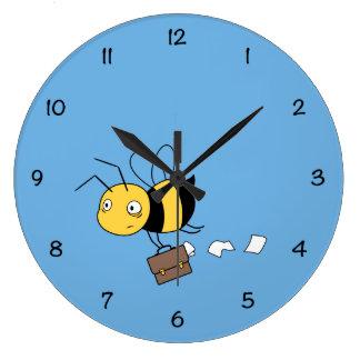 Beezness Biene, müde betonte Biene, die Große Wanduhr