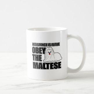 Befolgen Sie das maltesische Kaffeetasse