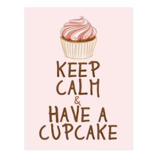 Behalten Sie Ruhe, einen kleinen Kuchen zu essen - Postkarte