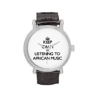 Behalten Sie Ruhe, indem Sie AFRIKANISCHE MUSIK Uhren