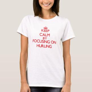 Behalten Sie Ruhe, indem Sie an auf das Schleudern T-Shirt
