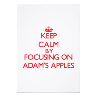 Behalten Sie Ruhe, indem Sie auf Adams Äpfel sich Einladung