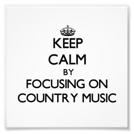 Behalten Sie Ruhe, indem Sie auf Countrymusik sich Kunstfotos