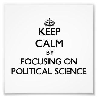 Behalten Sie Ruhe, indem Sie auf politische Photographie