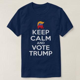 Behalten Sie Ruhe-und Abstimmungs-Trumpf T-Shirt