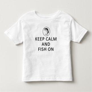 Behalten Sie Ruhe und Fische auf Kleinkind-T - Kleinkind T-shirt