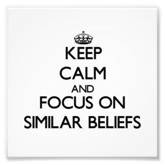 Behalten Sie Ruhe und Fokus auf ähnlichem Glauben Kunstfotos