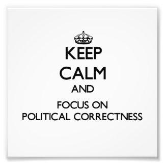 Behalten Sie Ruhe und Fokus auf politischer Kunst Fotos