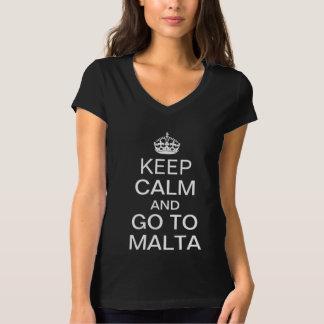 Behalten Sie Ruhe und gehen Sie nach Malta T-Shirt