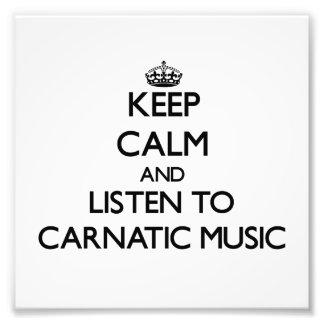 Behalten Sie Ruhe und hören Sie CARNATIC MUSIK Kunstphotos
