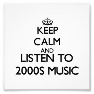 Behalten Sie Ruhe und hören Sie MUSIK 2000S Fotos