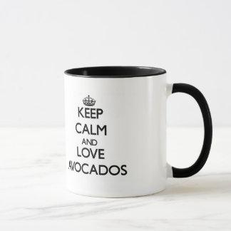 Behalten Sie Ruhe und Liebe Avocados Tasse