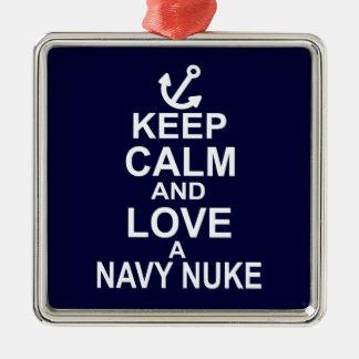 Behalten Sie Ruhe und Liebe ein Marine-Kernwaffe Quadratisches Silberfarbenes Ornament