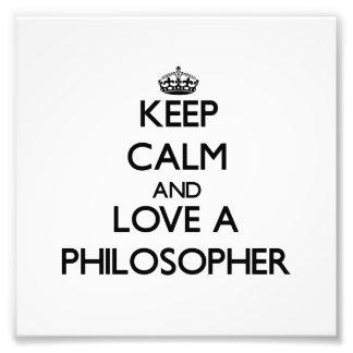 Behalten Sie Ruhe und Liebe ein Philosoph Fotos