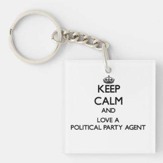 Behalten Sie Ruhe und Liebe ein politischer Schlüsselring