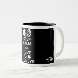 Behalten Sie Ruhe und Liebe Ihre Nieren-Tasse Zweifarbige Tasse