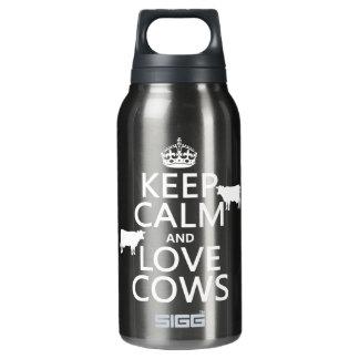 Behalten Sie Ruhe-und Liebe-Kühe (alle Farben) Isolierte Flasche