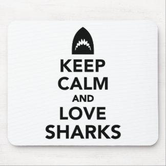 Behalten Sie Ruhe- und Liebehaifische Mauspads
