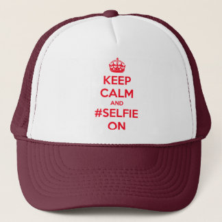 Behalten Sie Ruhe und #selfie an Truckerkappe