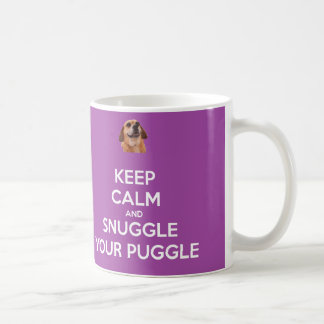 Behalten Sie Ruhe und Snuggle Ihre lila Puggle Kaffeetasse