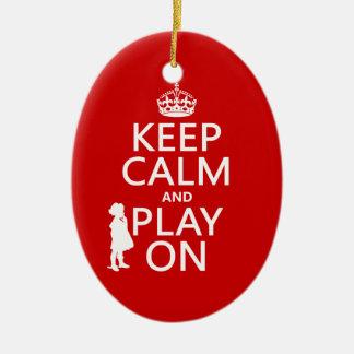 Behalten Sie Ruhe und Spiel an Keramik Ornament