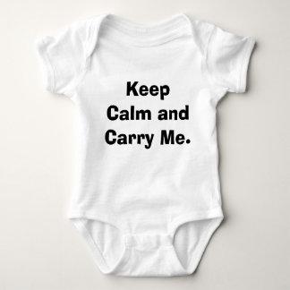 Behalten Sie Ruhe und tragen Sie mich Baby Strampler