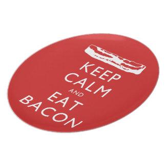 Behalten Sie ruhig und essen Sie Speck Essteller