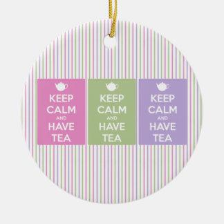 Behalten Sie ruhig und trinken Sie Tee Keramik Ornament