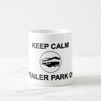 Behalten Sie ruhigen Anhänger-Park auf Tasse