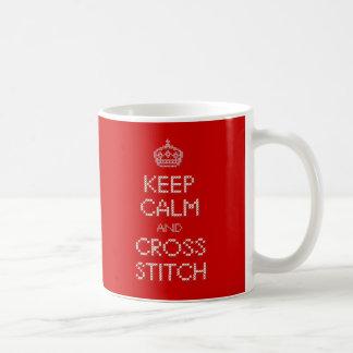Behalten Sie ruhigen und Querstich Kaffeetasse