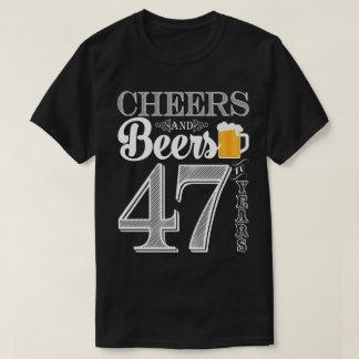 Beifall und Biere zu den 47 Jahren der T - Shirt