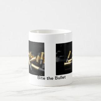Beißen Sie die Kugel Kaffeetasse