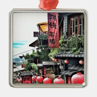 Bergdorf und Teehaus Quadratisches Silberfarbenes Ornament