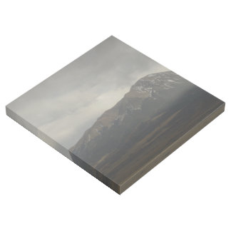 Berge in der Regen-Galerie-Verpackung Galerieleinwand