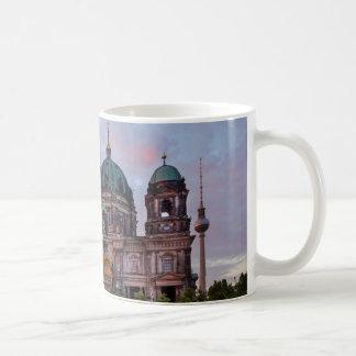 Berlin-Kathedrale mit Fernsehenturm und Lustgar Kaffeetasse