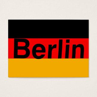 Berlin-Logo im Schwarzen auf deutscher Flagge Visitenkarte