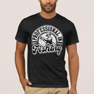Beruflich im Fischen (Est. Jahr kundengerecht) T-Shirt